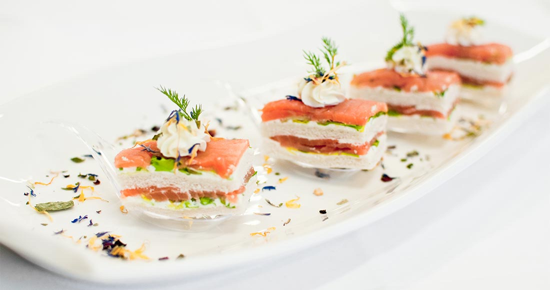 Fingerfood Lachs Canapes